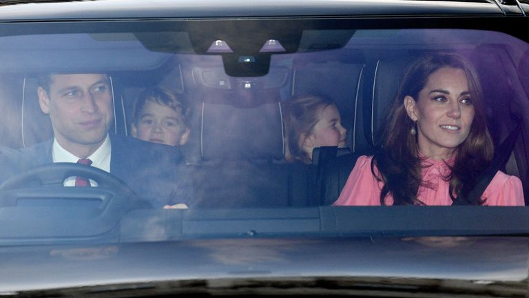 The Duke of Cambridge, Prince George, Princess Charlotte and the Duchess of Cambridge leaving the Queen's Christmas lunch at Buckingham Palace, London. PRESS ASSOCIATION Photo. Picture date: Wednesday December 19, 2018. Photo credit should read: Joe Giddens/PA Wire