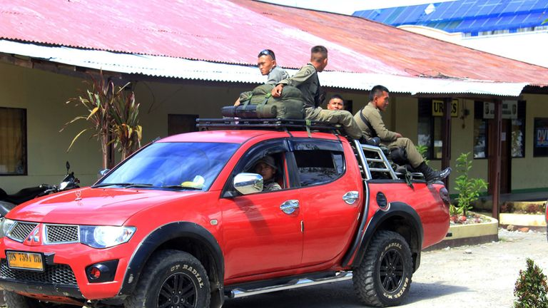 Indonesian Mobile Brigade Police head to Nduga, where 31 construction workers are believed to have been shot dead
