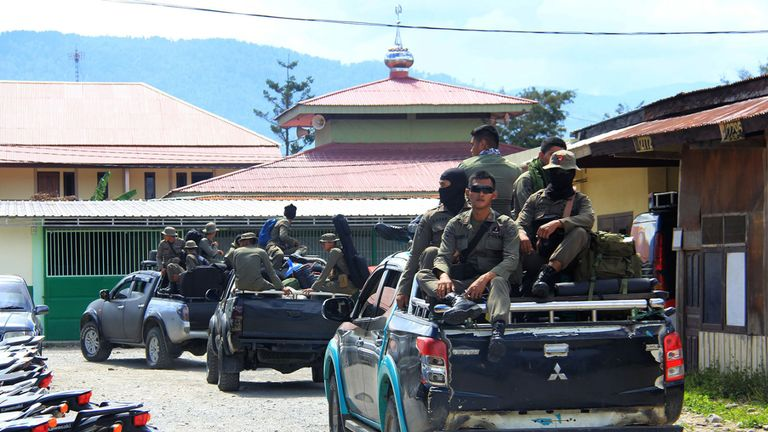 Indonesian Mobile Brigade Police go to Nduga where workers are believed to have been shot by rebels