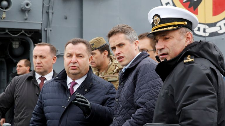 Ukrainian defence minister Stepan Poltorak (2nd left) and British defence minister Gavin Williamson during a meeting onboard a Ukrainian Navy frigate, Getman Sagaidachny, in Odessa, Ukraine December 21, 2018