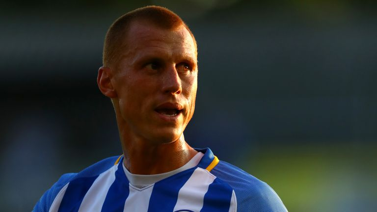 Steve Sidwell playing for Brighton in his last season before retirement