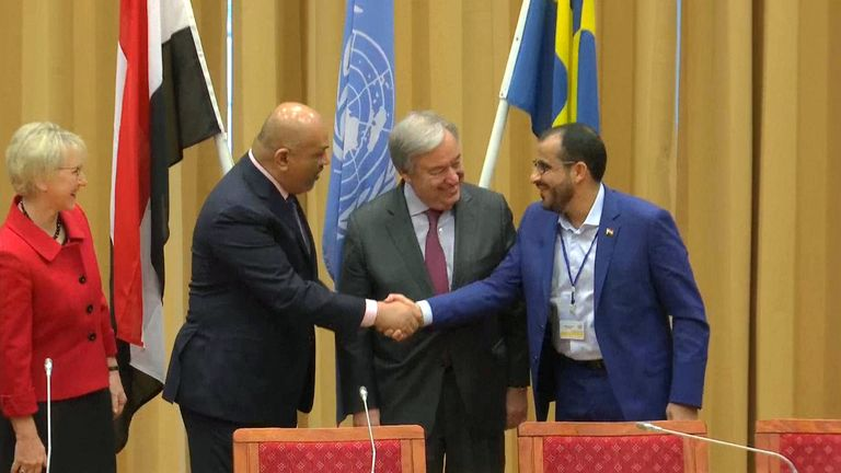 Yemen FM, rebel leader shake hands at UN peace talks