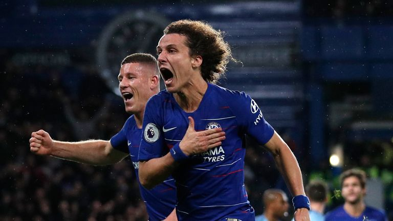 Radost Davida Luize po gólu na 2:0 (skysports.com).