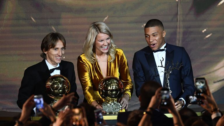 Watch highlights of the Ballon d'Or ceremony, as Luka Modric, Hegerberg and Kylian Mbappe claimed the awards