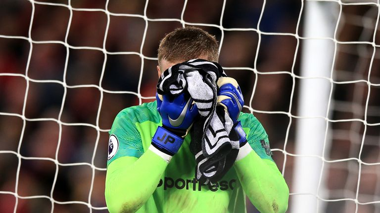 Yerry Mina launches defence of Jordan Pickford after Merseyside derby error | Football News |