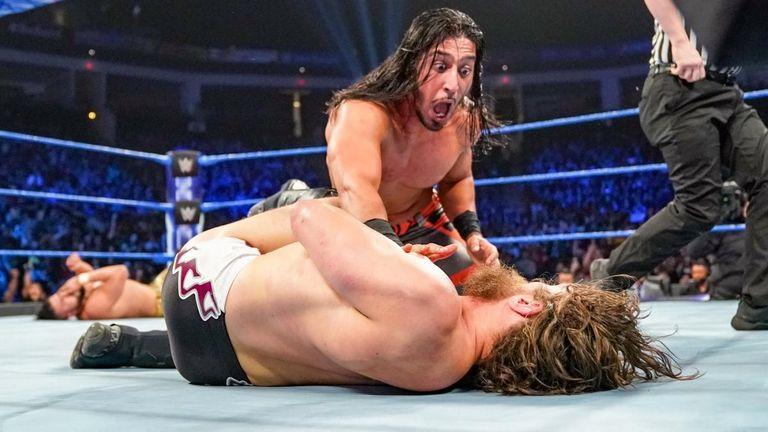 WWE SmackDown: WWE champion Daniel Bryan takes pinfall defeat