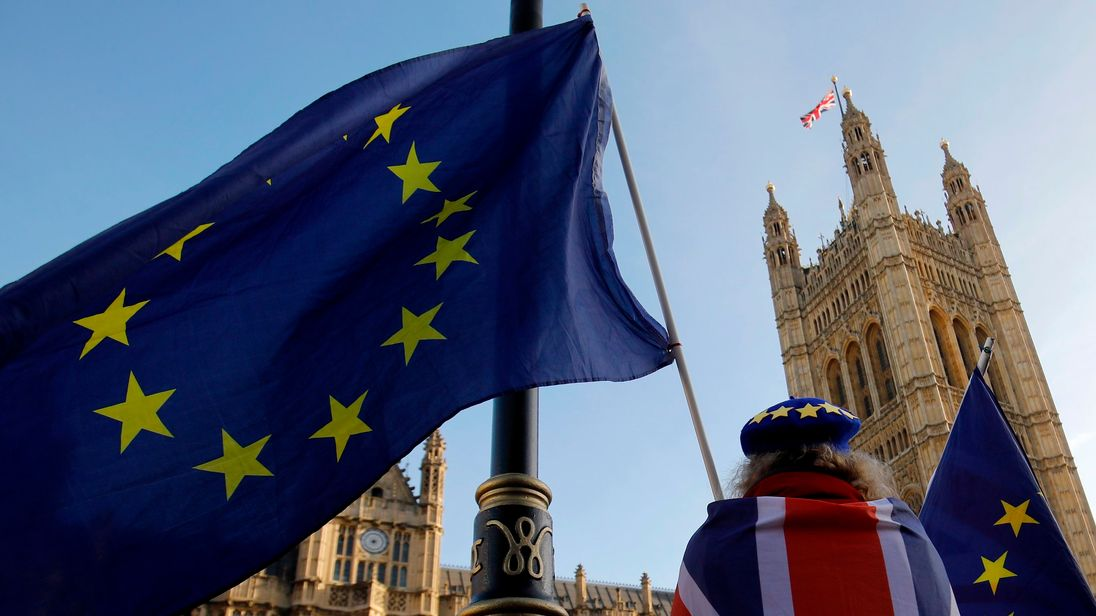 Brexit 'crossover day': Survey which claims Remain would now win fuels controversy