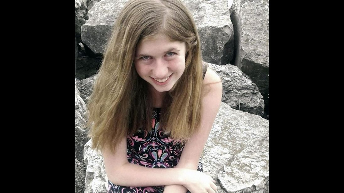 Man charged with kidnap and murder day after Jayme Closs, 13, found