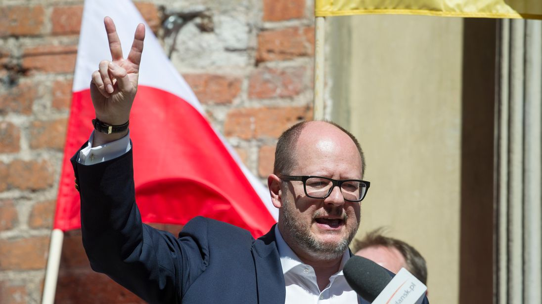 Polish mayor stabbed onstage at charity event