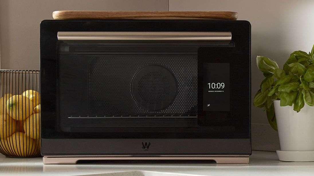 The oven comes equipped with a camera that works with a mobile app. Pic: Whirlpool