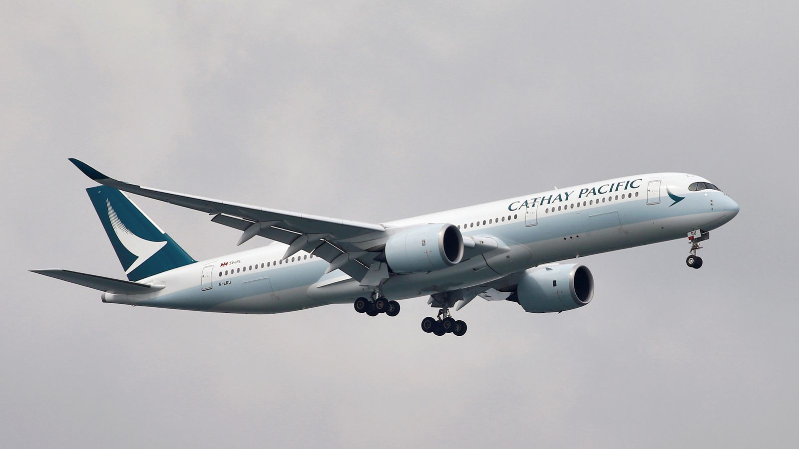 Cathay Pacific Fare Error Sees 16 000 First Class