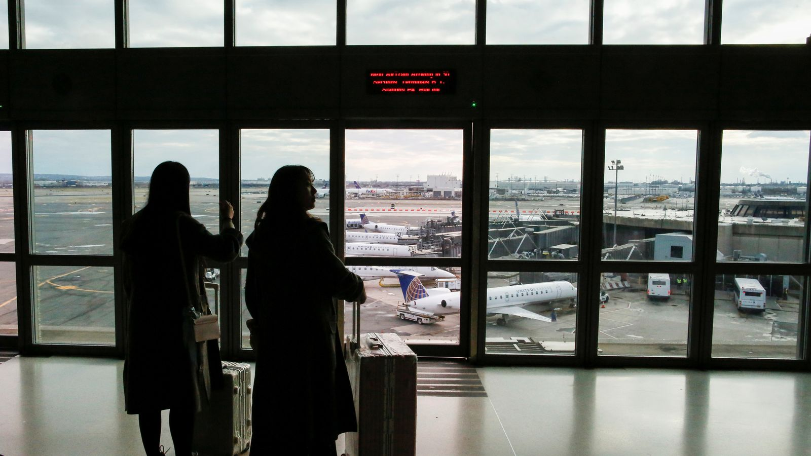 Key US airports hit by delays due to staffing issues