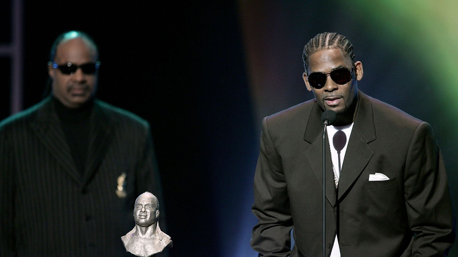 R Kelly Due In Court Today Charged With 10 Counts Of Sex