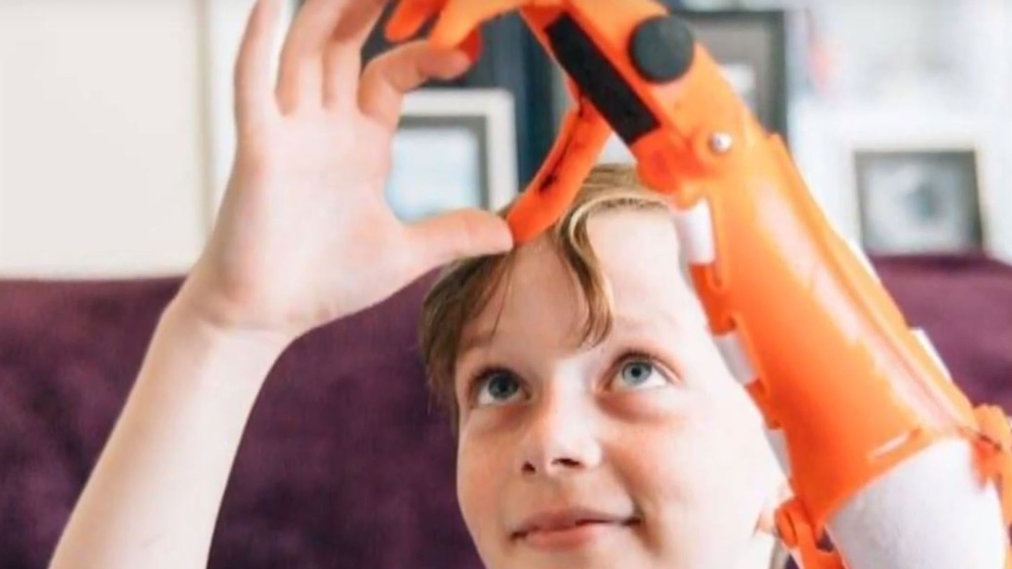 Dad builds 3D-printed bionic arm for son   UK News   Sky News