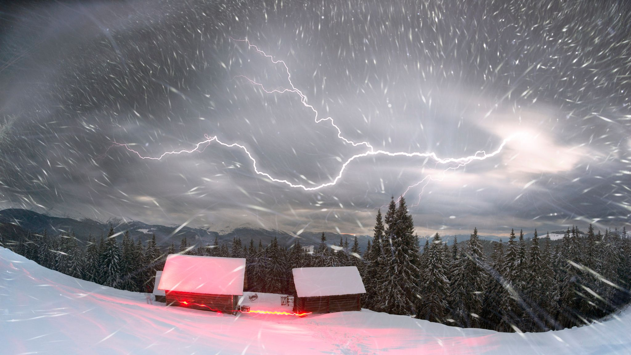 UK weather forecast: Met Office warns of thundersnow as temperatures