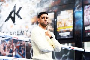 ce6d71f56464 Amir Khan cannot be criticised for facing Terence Crawford instead of Kell  Brook