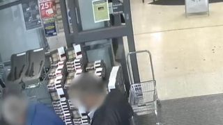 Surrey Police blur pickpocket at supermarket exit