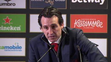 Emery defends Ozil omission