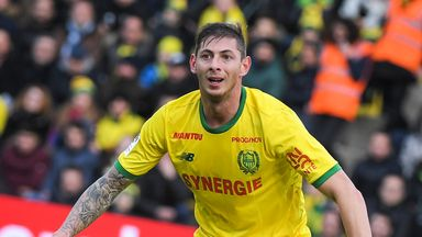 'Cardiff offered Sala travel arrangement'