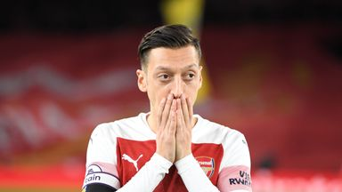 Wenger questions Ozil effort