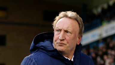 Warnock: Strikers reluctant to sign