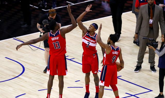 Washington Wizards seal 101-100 win over New York Knicks thanks to last-second goal-tending call