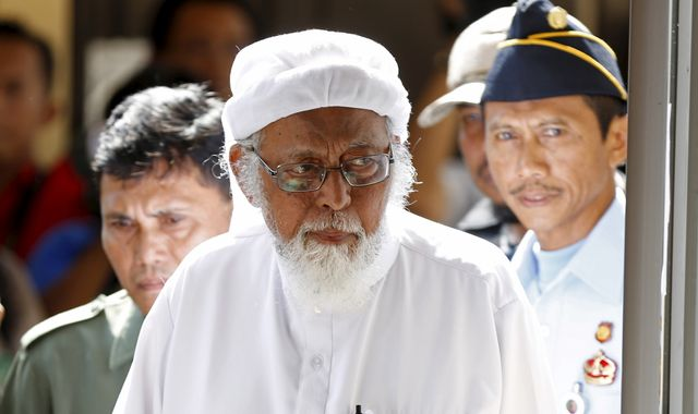 Abu Bakar Bashir: Cleric linked to Bali bombings must renounce radicalism to win release