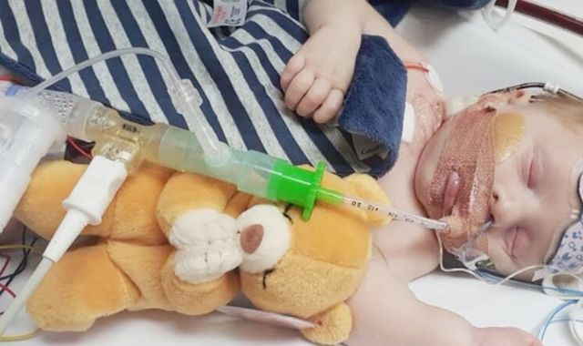 Three-week-old Carter could die within hours without a new heart
