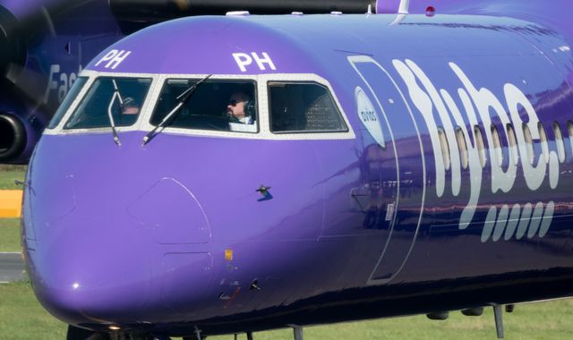 Arizona airline Mesa swoops with bid to ground Flybe ‎deal