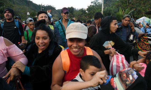 Hundreds of Honduran migrants cross Guatemala border as caravan heads for US