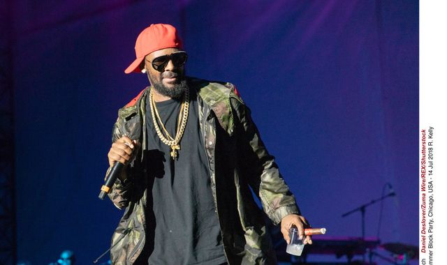 R Kelly charged with 10 counts of aggravated criminal sexual  abuse - US reports