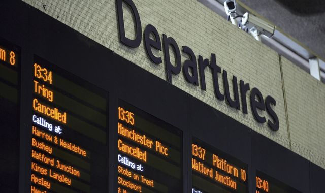 Rail timetable changes: Passenger group calls for plan to avoid repeat of 2018 chaos