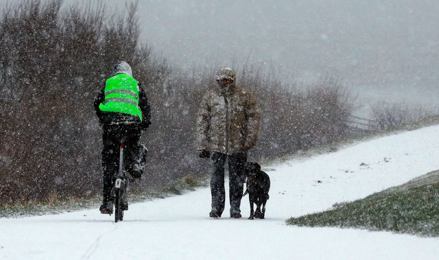 UK weather forecast: Snow and ice warnings in force as temperatures drop