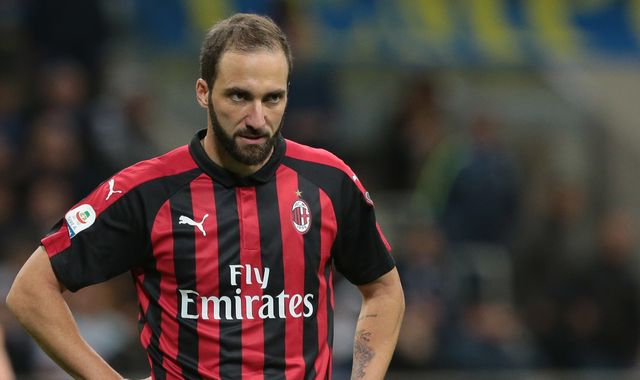 Chelsea agree Gonzalo Higuain loan deal with Juventus