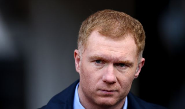 Paul Scholes has held talks with Oldham about becoming their new manager