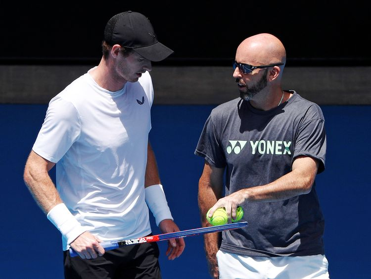 Andy Murray on court with his coach Jamie Delgado