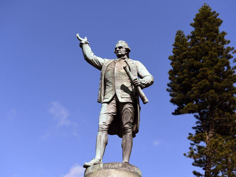 Captain cook statue Hyde park, Sydney