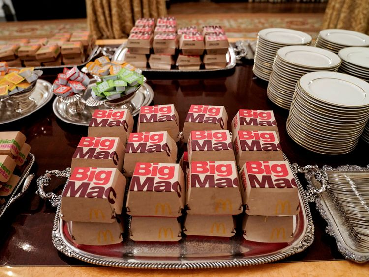 US shutdown forces White House to live off burgers