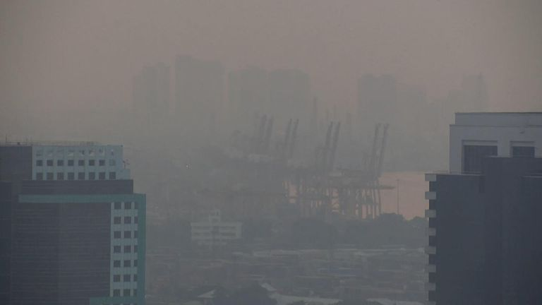 'Air pollution globally kills 1.6 million more a year than smoking'