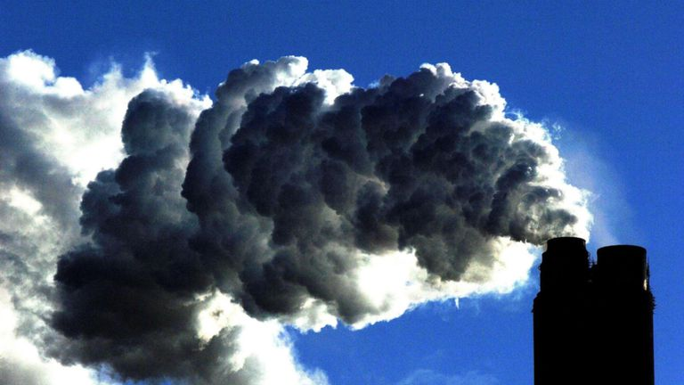 Carbon dioxide in the atmosphere is predicted to rise by a near-record amount in 2019, the Met Office has warned