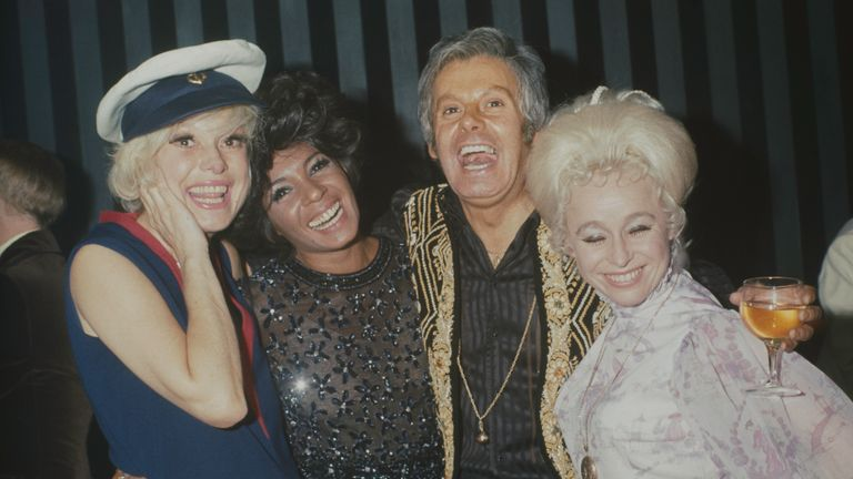Carol Channing with Shirley Bassey, Danny La Rue and Barbara Windsor in 1970