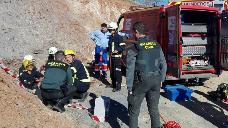 More than 100 emergency workers are involved in the search and rescue effort. Pic: @sciab_es