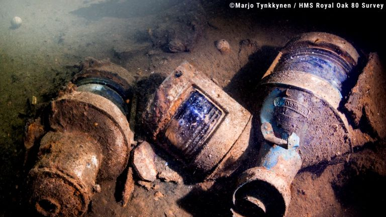 Lamps discovered in the wreckage