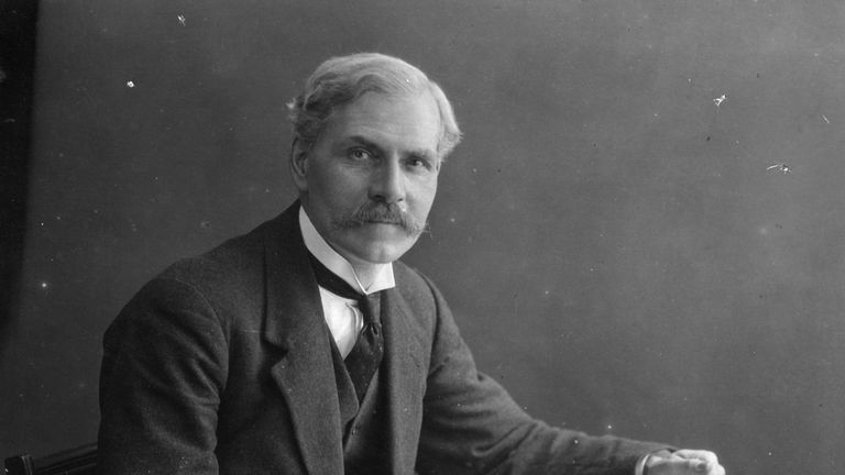 circa 1900: James Ramsay MacDonald (1866 - 1937), Scottish politician and Britain's first Labour prime minister. He was leader of the Labour Party from 1911 - 1914, and 1922 - 1931. He first became prime minister in 1924. Original Artist: By Elliott & Fry. (Photo by Hulton Archive/Getty Images)