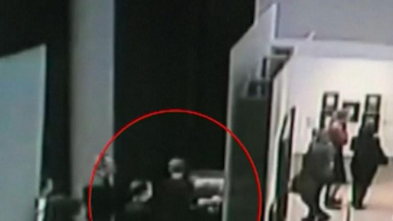 Thief steals painting from Russian gallery