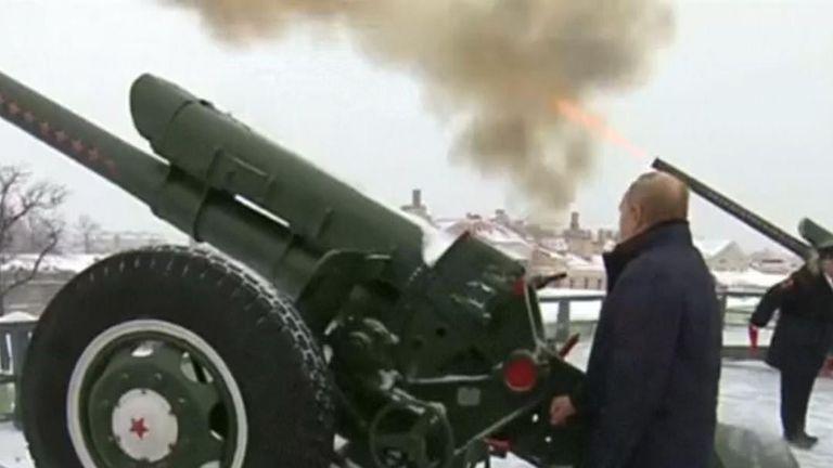 Vladimir Putin fires a howitzer in St Petersburg