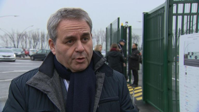 Xavier Bertrand has said ports like Calais will ready for whatever happens at the end of March