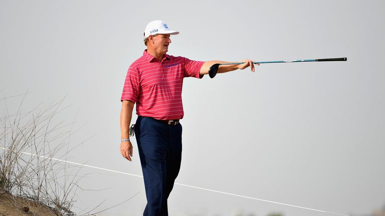 DeChambeau shoots 66, tied for 2nd-round lead in Dubai
