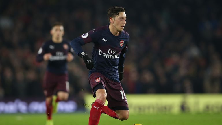 888be42b0 Mesut Ozil has no desire to leave Arsenal
