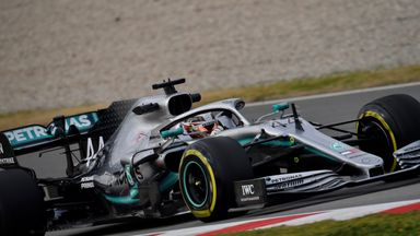 Hamilton hopeful about overtaking
